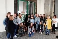 10-Przed-budynkiem-Landu-Styria-w-Gracu